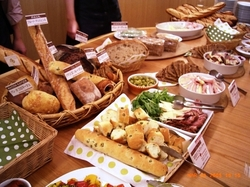 breads_party